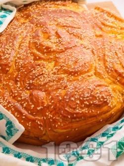 Погача със сусам (с мая) - снимка на рецептата